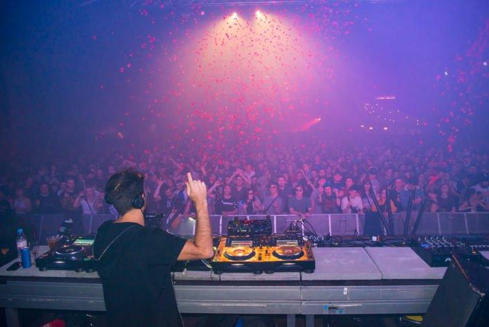 We Love Techno with confetti