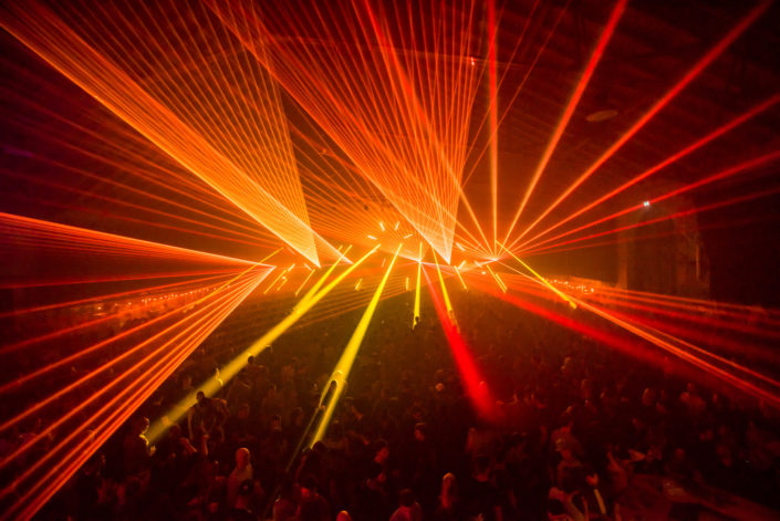 Lasershow wie in Ibiza oder LasVegas; Wir haben die Technik dazu