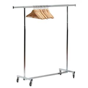 Mobiliar: Garderobenständer