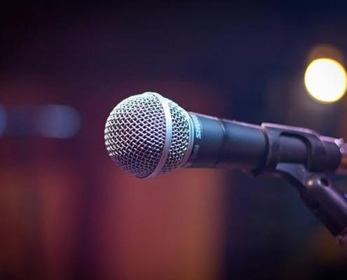 Wir von USL Veranstaltungstechnik liefern das passende Equipment für Ihren Anlass. Ob Gesangsmikrofon von Sennheiser oder alles Andere rund um Eventtechnik