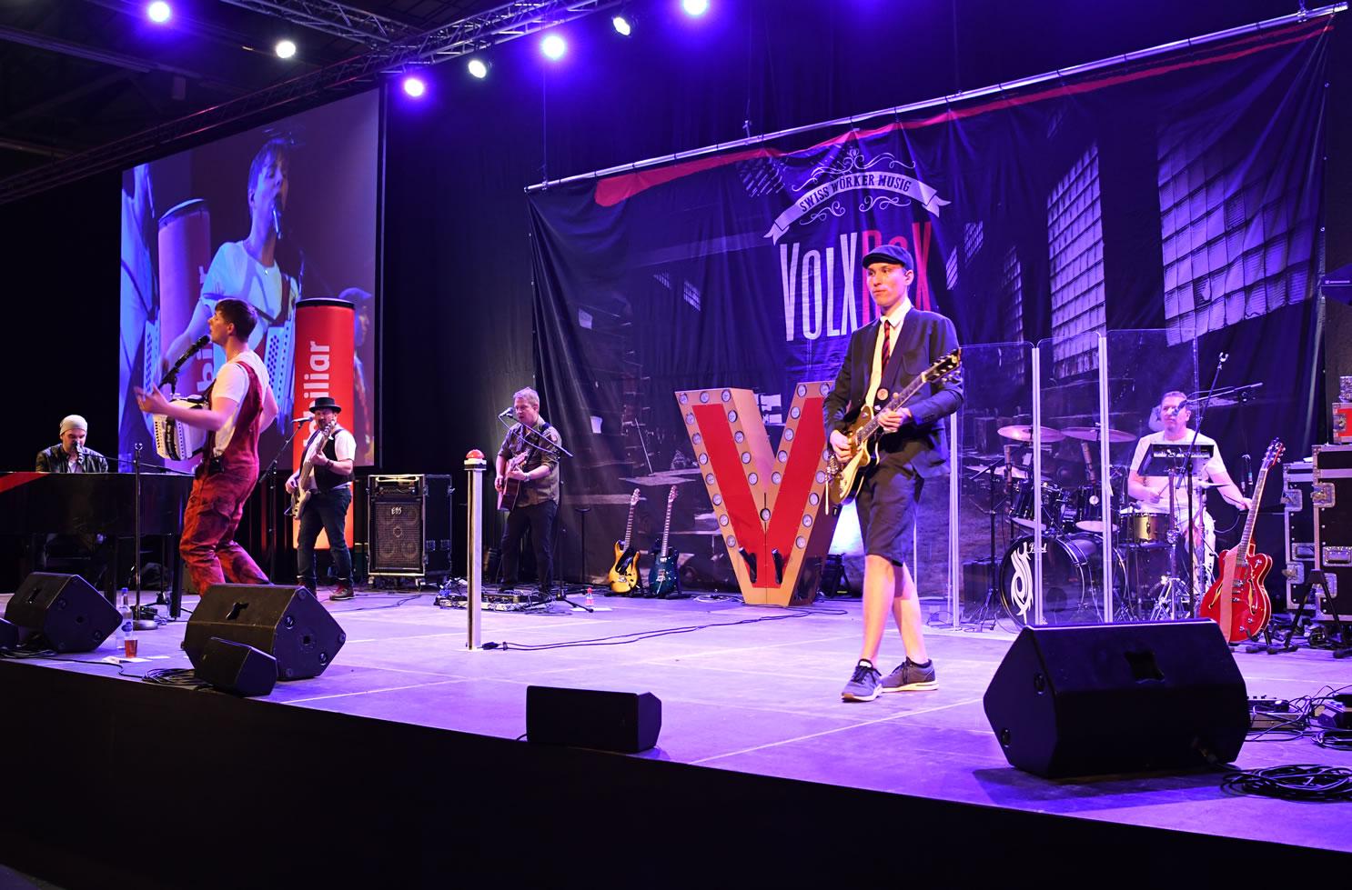Mit dem passenden Mikrofon auf der Bühne. VolXRox hat getestet und ausgesucht. lassen auch Sie sich von USL Veranstaltungstechnik beraten