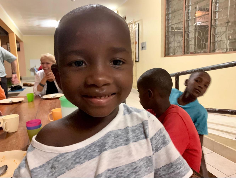 Wir durften helfen. Stiftung Tuwapende Watoto