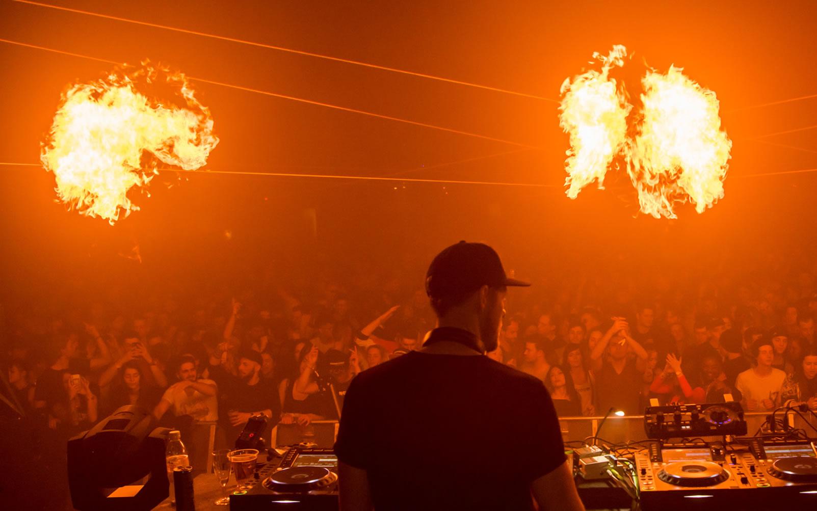 Fire on!!! Wir von USL Veranstaltungstechnik heizen an Ihrem Anlass richtig ein