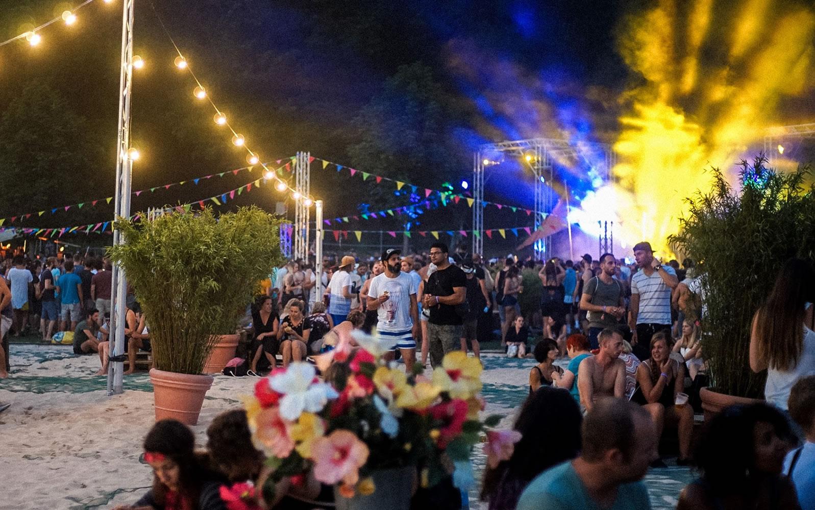 SommerLiebe Festival in der Badi Ostermundigen mit Tanzkarussell Ber(li)n