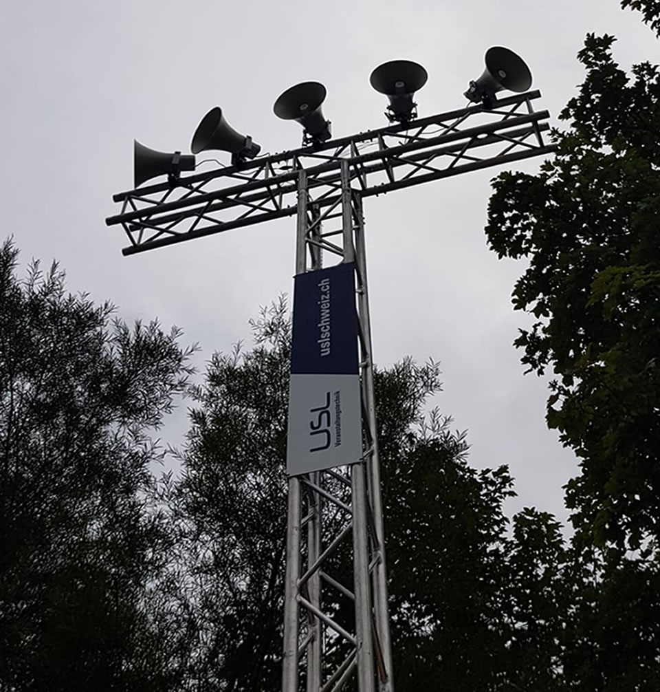 Traversen und Druckkammerlautsprecher für das Gurnigel Bergrennen